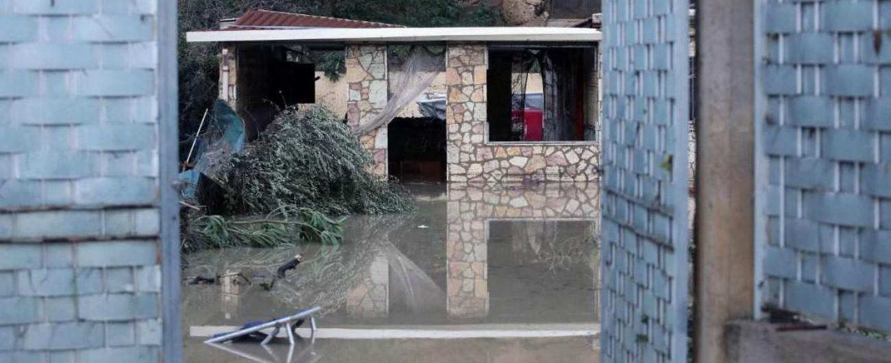 """Maltempo, esonda un fiume vicino a Palermo e inghiotte una villa: 9 morti. Il sindaco: """"Abusiva, ma c'era ricorso al Tar"""""""