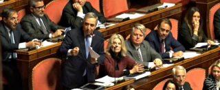 """Dl Sicurezza, Gasparri: """"Dissidente non è De Falco, ma M5s che ha dimenticato programma"""". E FI protesta con cartelli"""