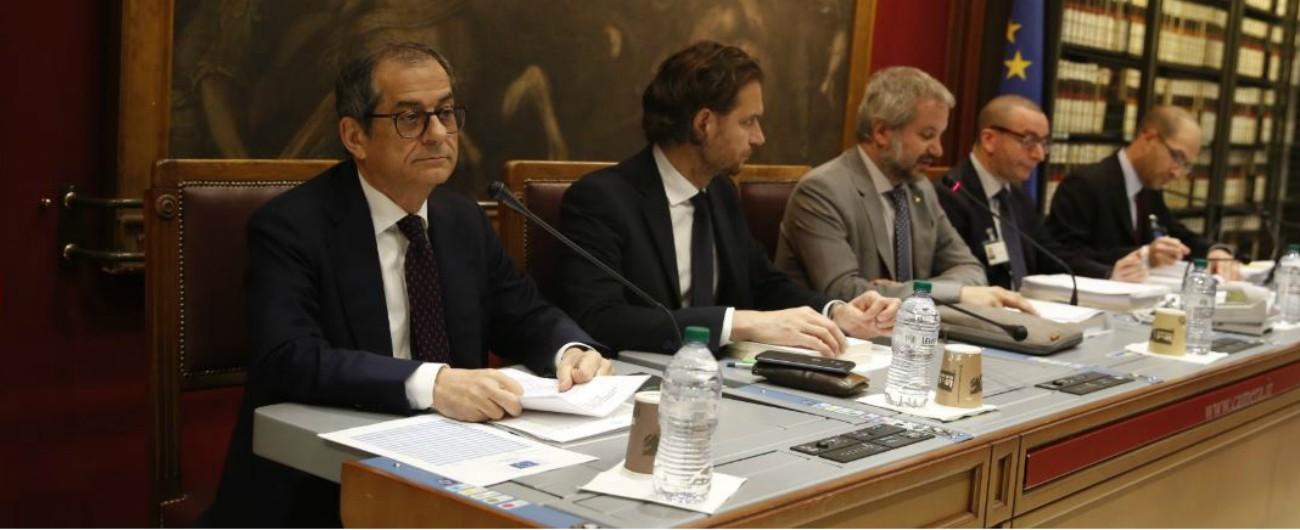 """Manovra, Tria in commissione: """"Calcoli in corso su pensioni e reddito"""". E rifiuta le domande delle opposizioni"""