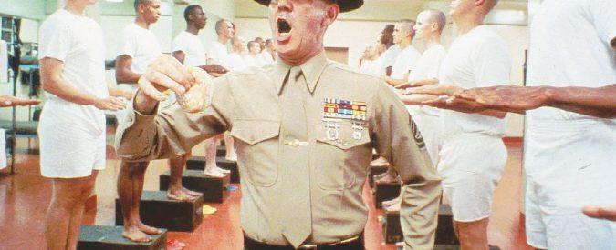 """Catania, in caserma scene da Full Metal Jacket. """"Merde, vi caccio"""": il colonnello insulta e minaccia i soldati"""