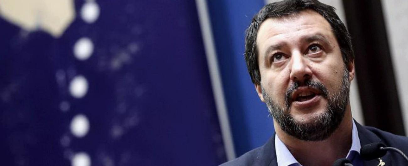 """Roma, urla """"buffone"""" a Salvini: 59enne portata in commissariato e denunciata"""