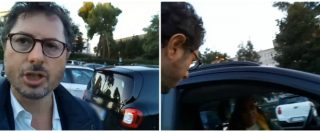 """Napoli, il parcheggio è illegale e sotto sequestro. La denuncia: """"La camorra lo ha riaperto"""". E spunta il parcheggiatore abusivo"""