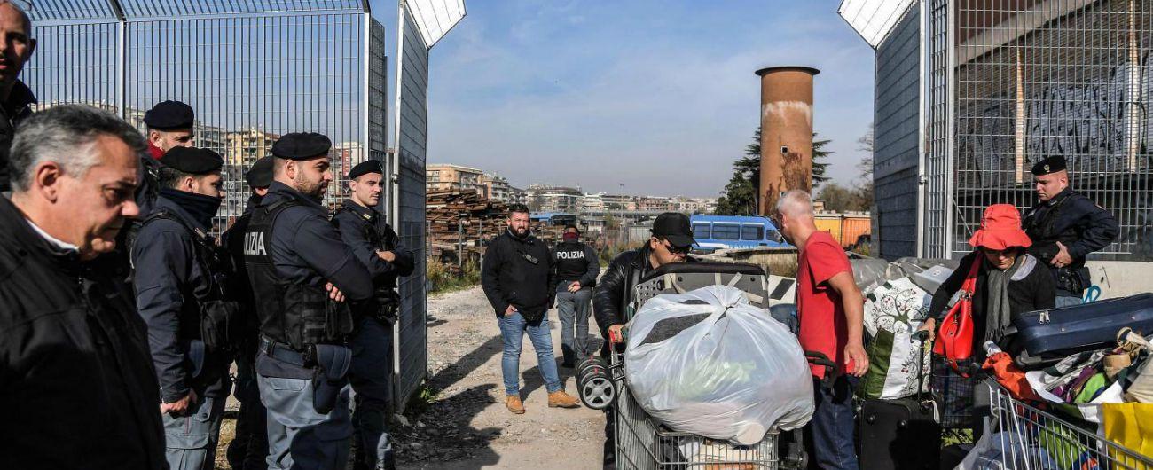 Roma, sgombero Baobab fatto prima di avere un posto per tutti: 100 persone dormiranno in strada e nella stessa zona