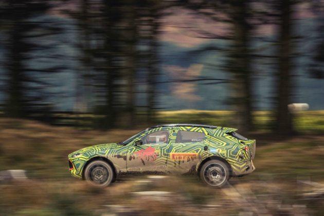 Aston Martin DBX, iniziati i test su strada del suv di lusso