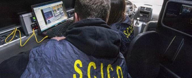 Mafie e giochi online, 22 arrestati a Bari. Fama criminale e capacità tecniche: così il cassiere del clan è diventato bookmaker