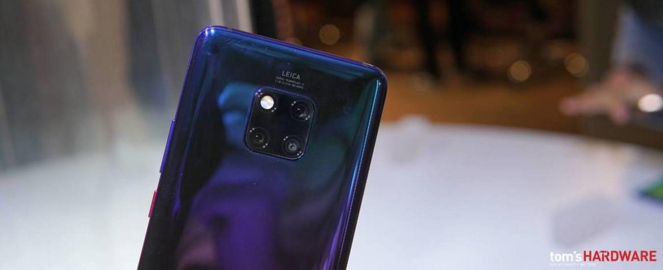 Huawei progetta uno smartphone con 4 fotocamere. Diventeremo tutti fotografi!