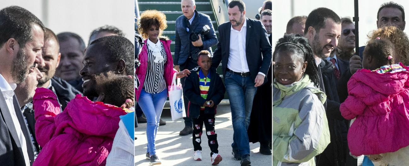 """Migranti, Salvini ne accoglie 51 arrivati con un corridoio umanitario dal Niger: """"Questi bambini diventeranno italiani"""""""