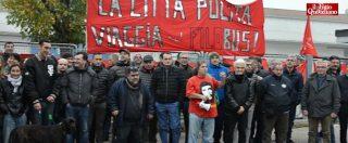 """Industria Italiana Autobus, lavoratori in sciopero: """"Niente stipendi, ma i soldi ci sono"""". Fiom: """"Di Maio si sbrighi"""""""