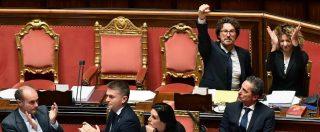 Decreto Genova, ok del Senato: è legge. Caos in Aula, le opposizioni contro Toninelli che esulta con il pugno alzato