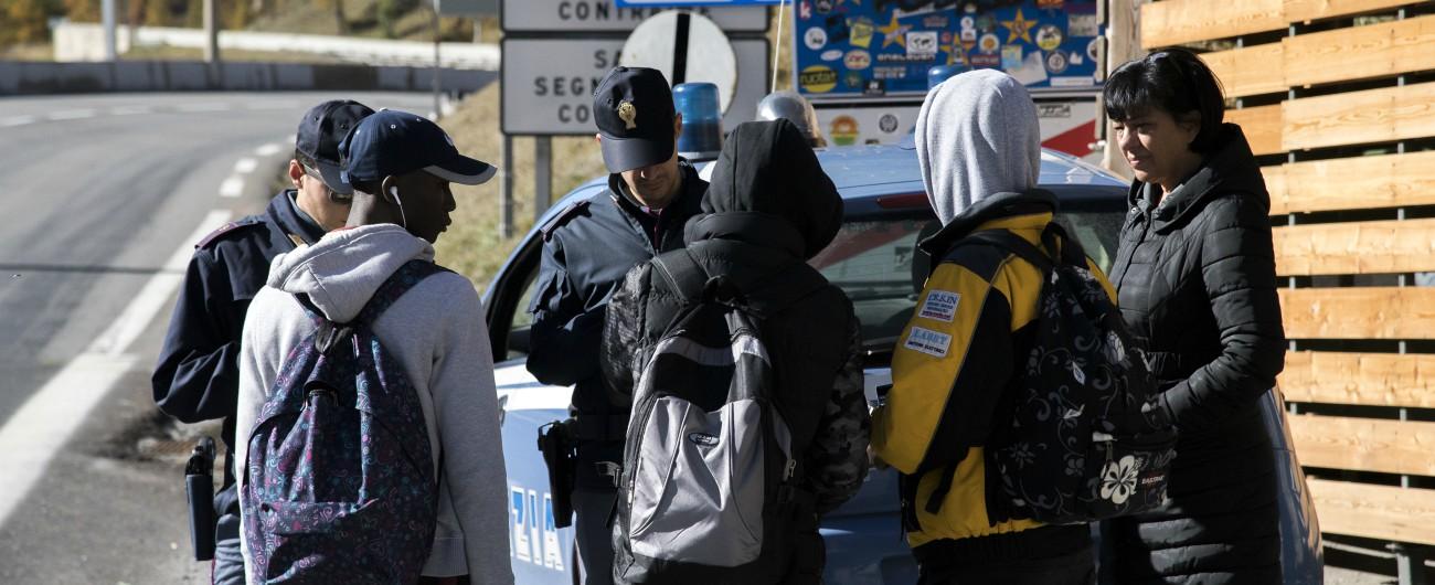 Migranti, volevano andare in Francia a piedi: 10 salvati nella neve. 4 dispersi