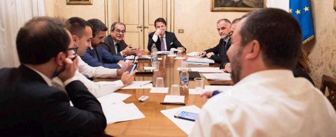 Fisco, accordo nel governo: cancellato il condono dal decreto. Slitta il carcere per gli evasori: ci sarà disegno di legge ad hoc