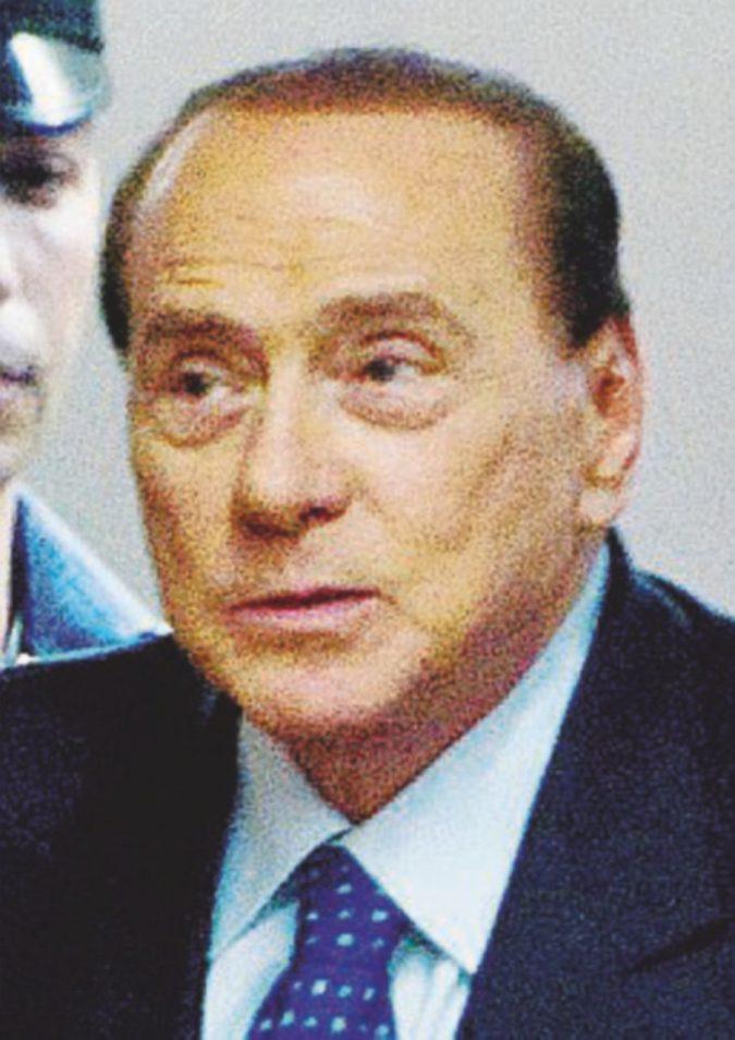 Nuovi guai per Silvio: a giudizio per aver pagato Tarantini per mentire ai pm