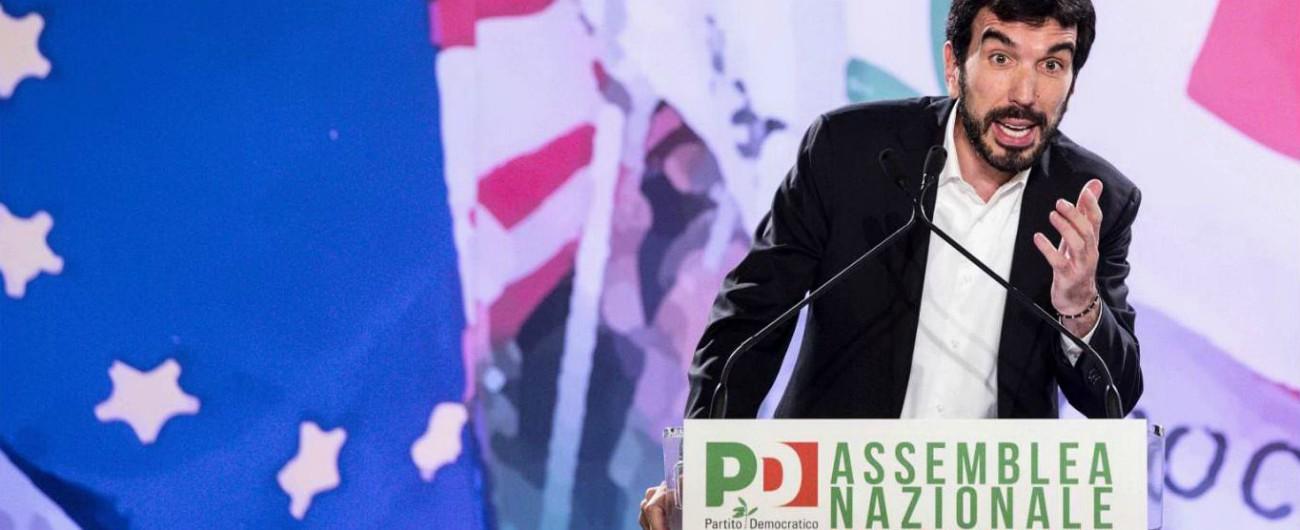 """Assemblea Pd: Renzi assente, attesa per la decisione di Minniti. Martina: """"Segretario-premier? Statuto è superato"""""""