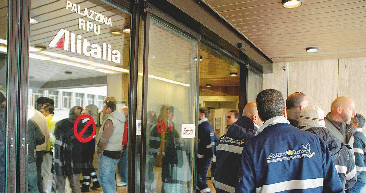 Il futuro di Alitalia senza il commissario chiave