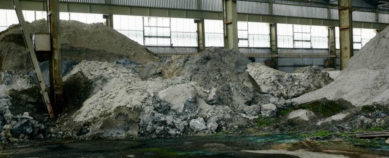 """Vicenza, sequestrato capannone pieno di rifiuti speciali. Il pm: """"Timore che la provincia diventi magazzino delle mafie"""""""