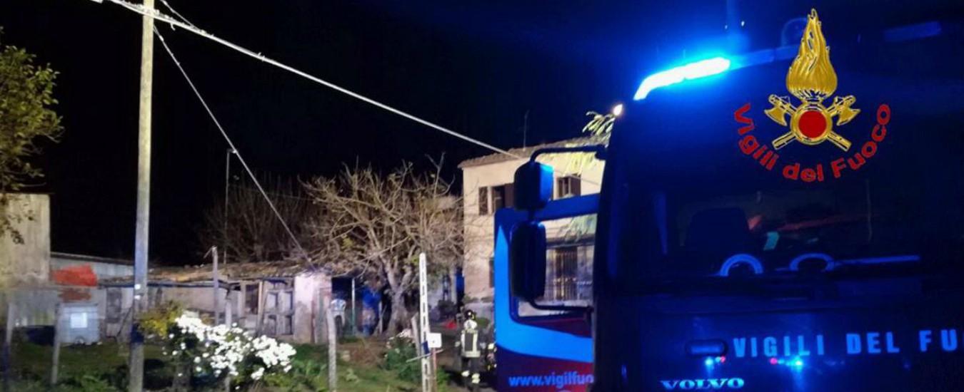 Macerata, incendio in una casa: muoiono mamma e figlio. Salvo il padre