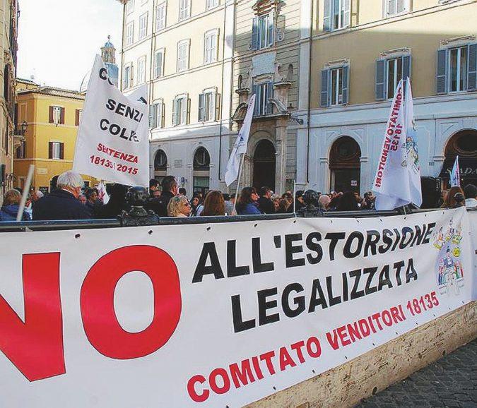"""Roma, sanatoria sulle case vendute. """"Conflitto d'interessi al Mit"""""""