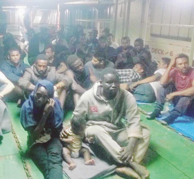 Libia, proiettili di gomma sui migranti della nave Nivin