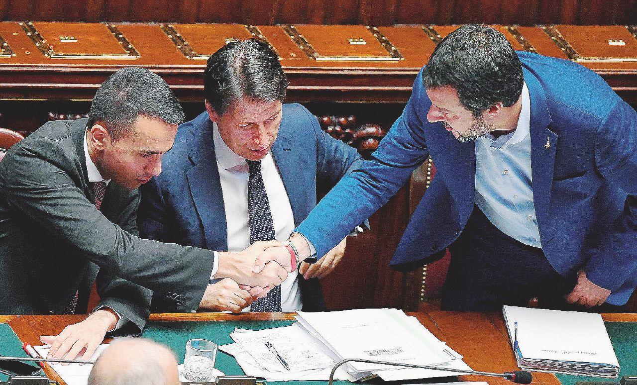 In Edicola sul Fatto del 21 novembre: Sì a emendamento per salvare i ladri di Stato