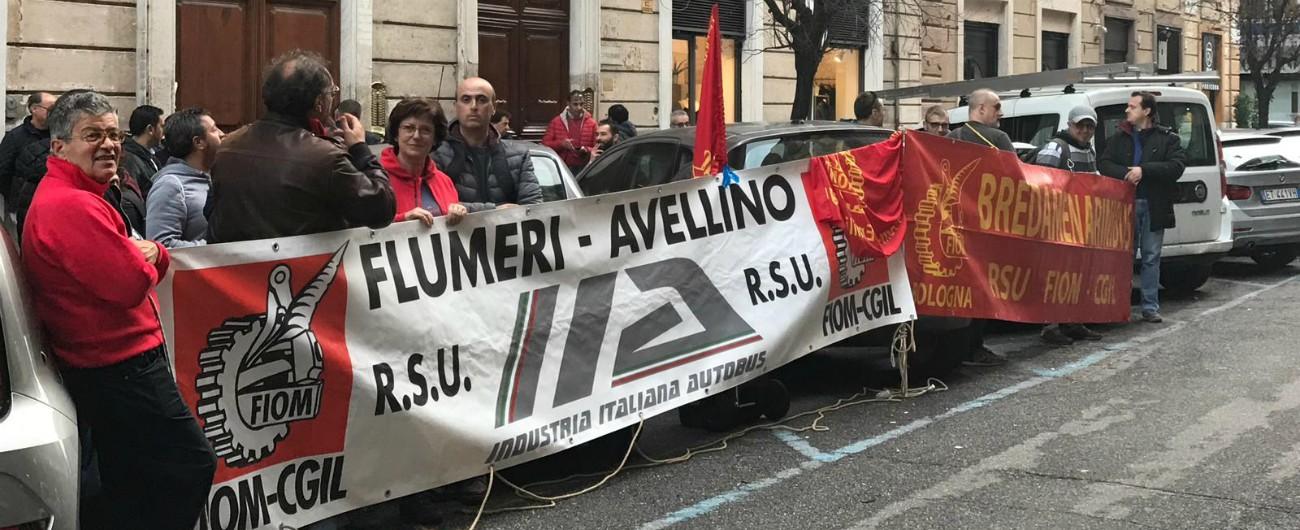 Industria Italiana Autobus, il futuro resta in bilico: cda rinvia ogni decisione all'11 dicembre in attesa di Ferrovie dello Stato