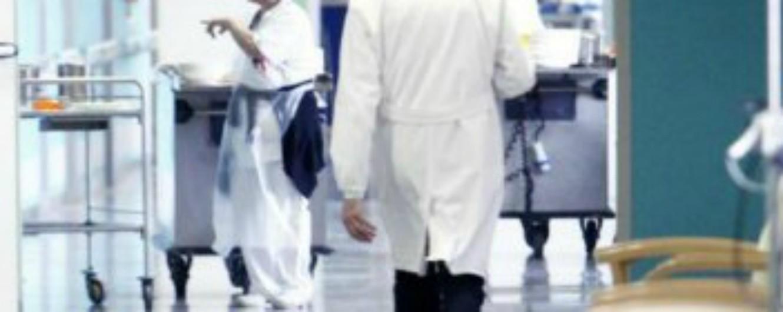 Foggia, infermiere abusa di una paziente in ospedale: è agli arresti domiciliari