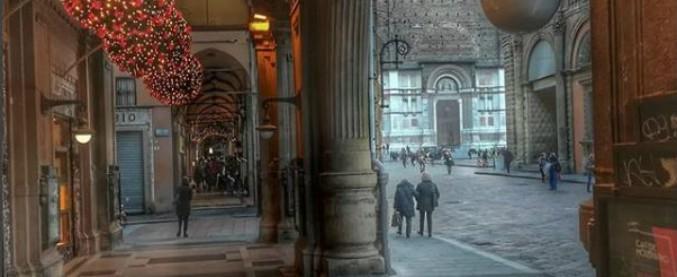 Bologna, trovato biglietto che annuncia suicidio: corsa contro il tempo per salvare donna. Ma era stato scritto 22 anni fa