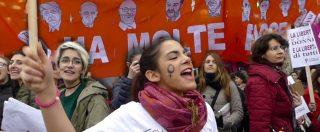 """Non una di meno, a Roma migliaia di donne in piazza: """"Stato di agitazione permanente contro questo governo"""""""