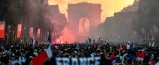 """Francia, scontri e lacrimogeni in centro a Parigi. Il governo: """"Le Pen incita i gilet gialli ai disordini"""""""