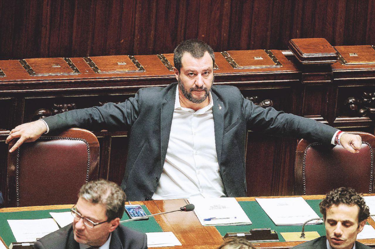 In Edicola sul Fatto Quotidiano del 25 novembre: Chi vuole il governo Salvisconi. Le grandi manovre di B