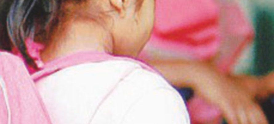 Vendono la figlia di 4 anni per la coca: indagati i genitori