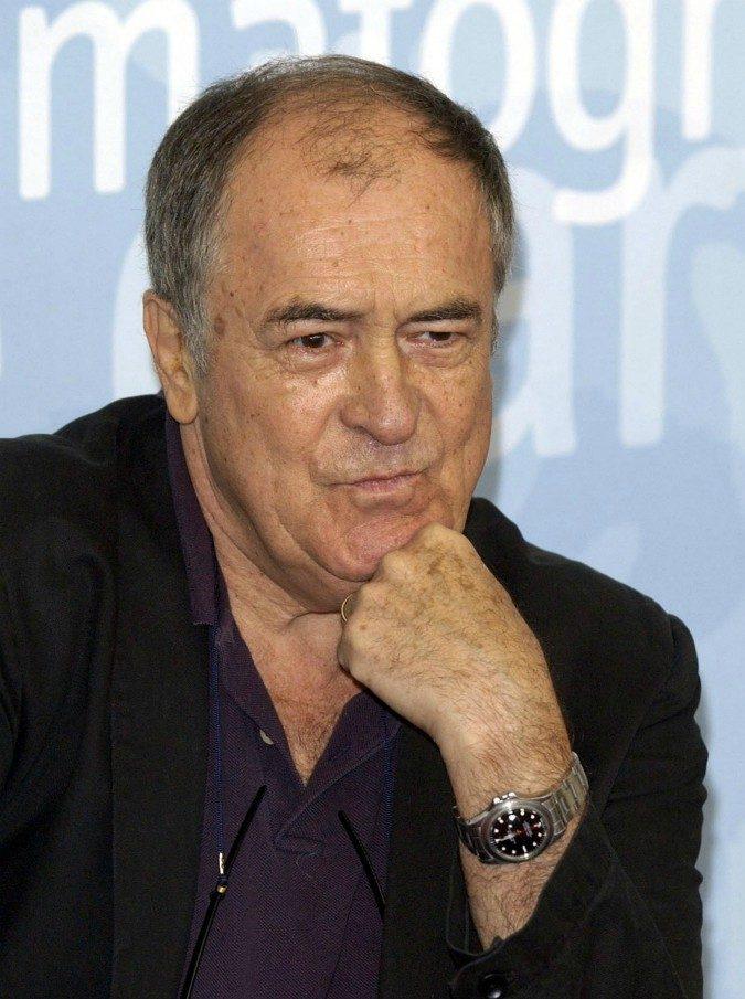 Bernardo Bertolucci morto, addio al regista di Novecento e L'ultimo imperatore: aveva 77 anni
