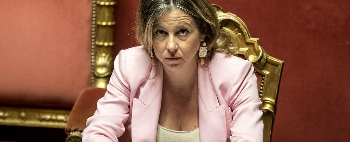 """""""Giulia Grillo ha schedato i membri del Consiglio di sanità"""". Il Pd chiede le dimissioni. Lei: """"Nessun dossieraggio"""""""