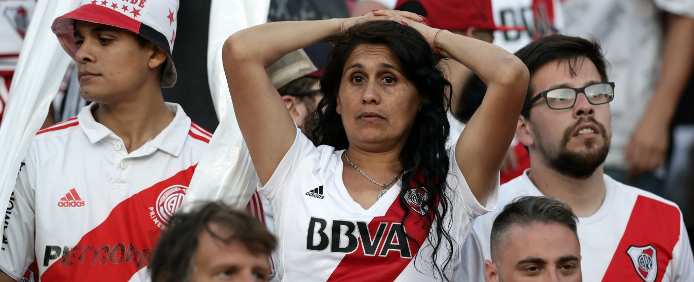 Coppa Libertadores, River-Boca: cronaca di un fallimento. La finale si giocherà non prima di dicembre. Forse in campo neutro
