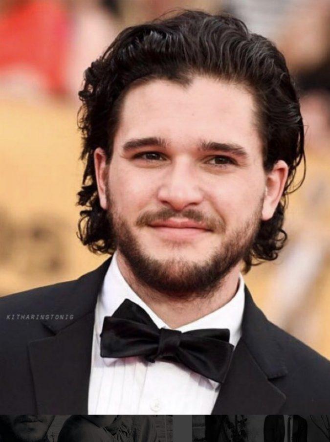 """Kit Harington, una modella pubblica le foto di Jon Snow nudo e dice di essere la sua amante. Lui nega: """"Tutto falso, non la conosco"""""""