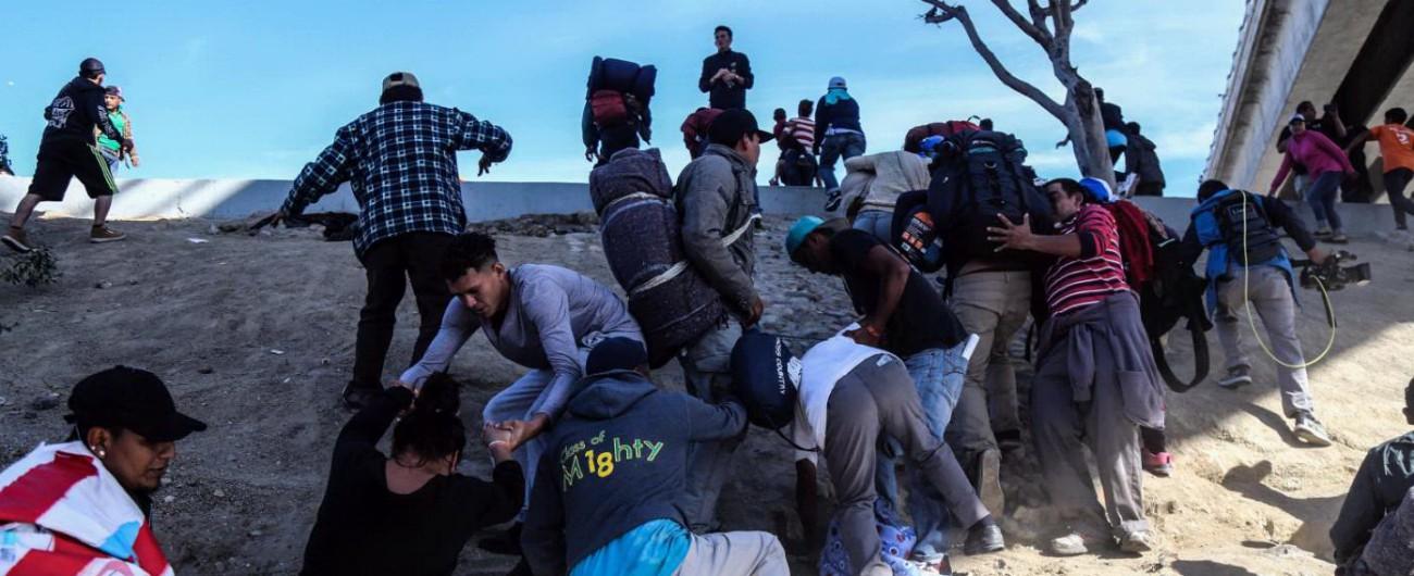 """Carovana migranti, Trump: """"Se necessario chiudiamo confine in modo permanente. Ora il Messico li rimpatri, sono criminali"""""""