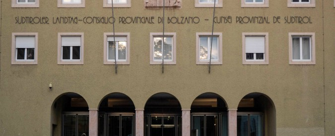 Bolzano, la Svp dice sì al matrimonio di convenienza con la Lega: rottamato il Pd nel segno del pragmatismo verso Roma