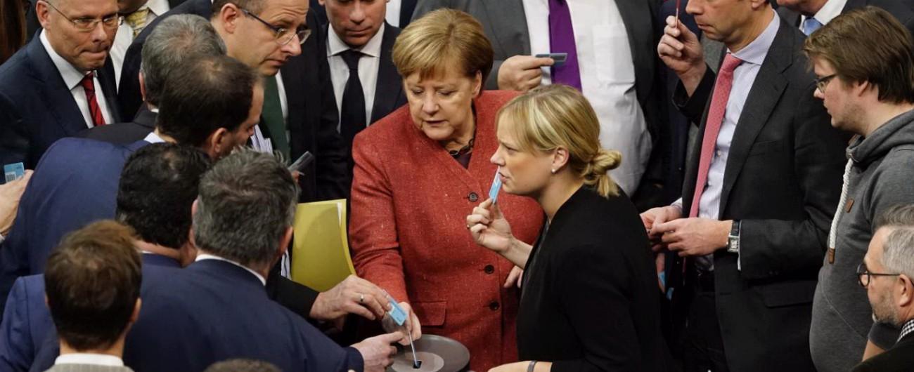 """Global Migration Compact, Berlino dice sì In Slovacchia il Parlamento vota contro Fdi: """"C'è intesa Lega-M5s?"""". Salvini: """"Si"""""""