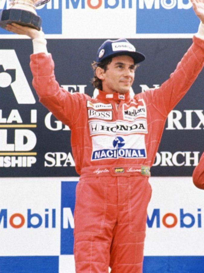 """Ayrton Senna, la rivelazione della sua ex: """"Un mese prima della morte mi disse: 'Sento che non vivrò a lungo'"""""""