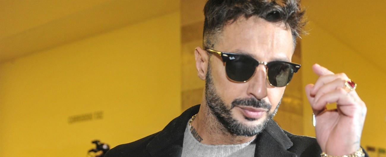 """Fabrizio Corona non tornerà in carcere. Il Tribunale di Sorveglianza: """"Sta facendo un buon percorso di riabilitazione"""""""
