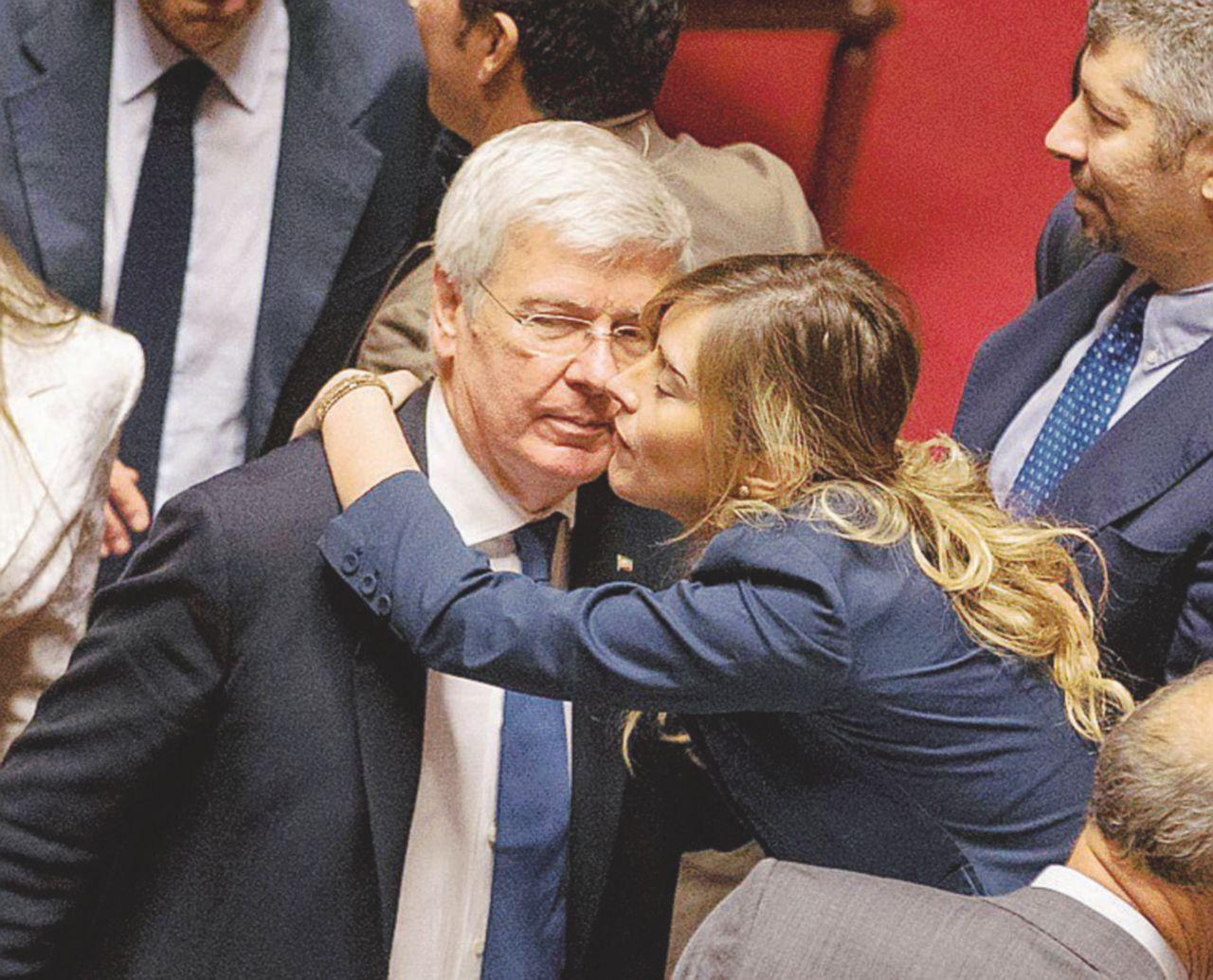"""Forza Italia, il senatore Romani: """"Io e Renzi abbiamo parlato di un nuovo progetto politico"""""""