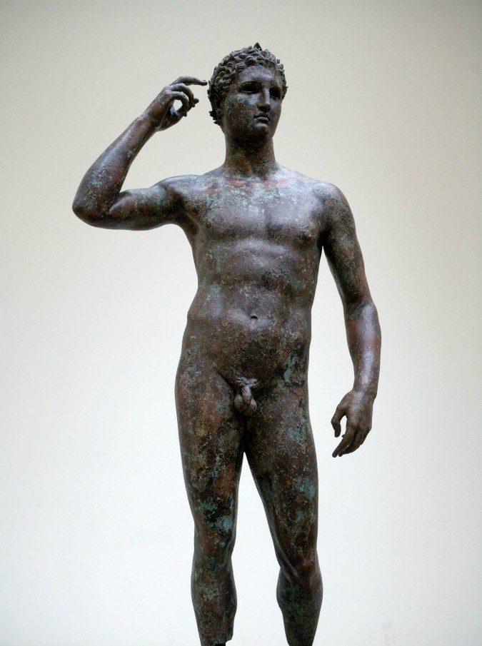 """""""Il Lisippo è dell'Italia"""", la Cassazione rigetta il ricorso del museo Getty: """"Confisca contraria a diritto internazionale"""""""