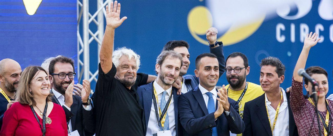 """M5s, ora gli iscritti possono segnalare su Rousseau eletti e candidati che """"non rispettano i principi 5 stelle"""""""