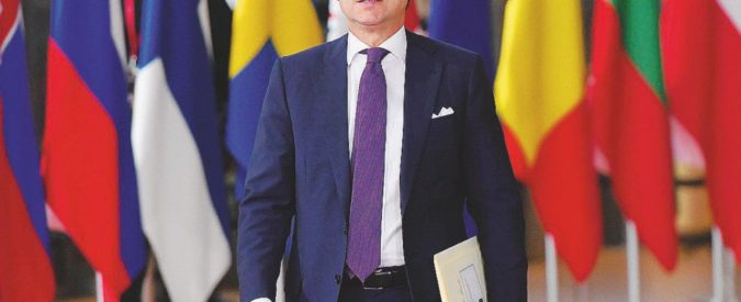 """Conte: """"Con Juncker parlo solo io. Per le riforme serve  tempo"""". E sui migranti incalza: """"Global Compact? Se passasse il no, ci rimarrei male"""""""