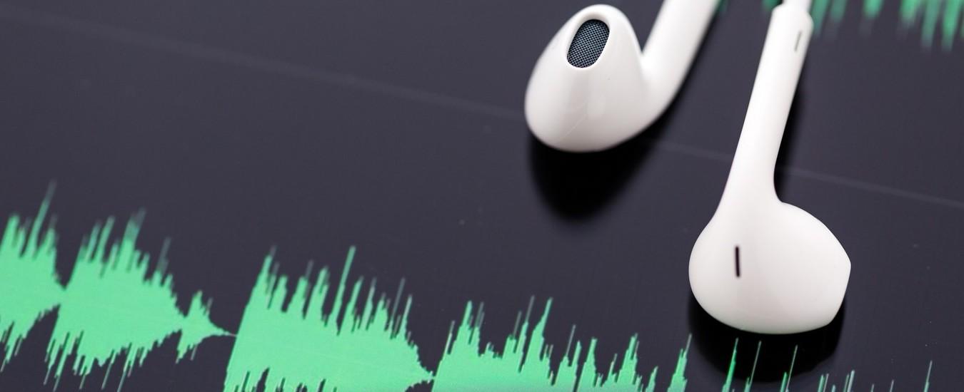 Italiani e podcast, la cultura alternativa attira e piace
