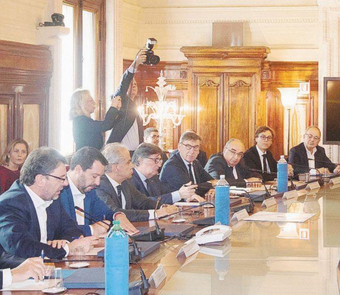 """E Salvini chi riceve il giorno dopo? Gli affaristi del """"Sì"""""""