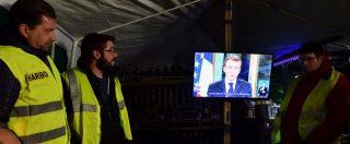 Gilet gialli, Macron: 'Rabbia anche colpa mia. Salario minimo aumenta di 100 euro Straordinari detassati da gennaio 2019″