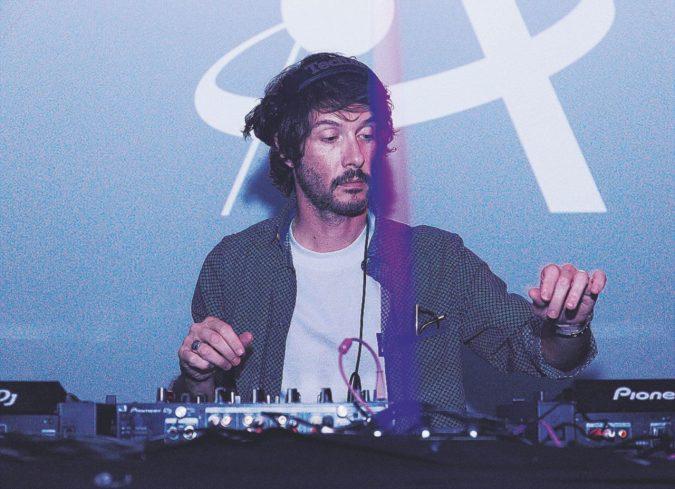 Puristi, black o finti hippie: il bestiario da discoclub