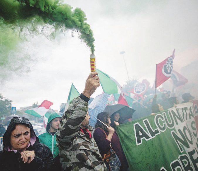 """""""Rivogliono il fascismo"""": chiusa CasaPound a Bari"""