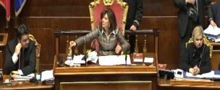 """Ddl Anticorruzione, Fraccaro preannuncia la fiducia al Senato. Contestazioni e urla delle opposizioni: """"Vergogna"""""""