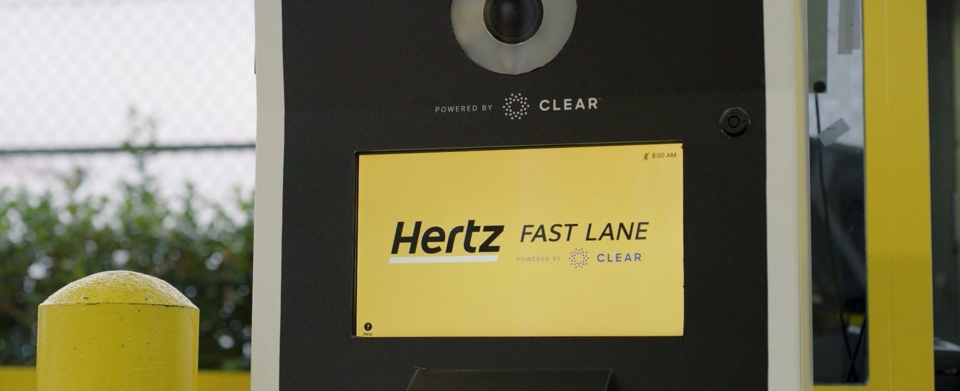 Hertz adotta il riconoscimento facciale per noleggiare le auto in 30 secondi